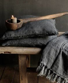 Linen plaid in the color gray / anthracite Wabi Sabi, Rustic Chic, Rustic Style, Shabby Chic, Casa Wabi, Deco Nature, Interior Decorating, Interior Design, Inspired Homes