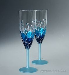 Blue Wedding Glasses, Champagne Glasses, Champagne Flute, Set of 2 Hand Painted Ombre Blue effect hand painted champagne glasses - set of 2. These champagne flute are decorated with cut glass crystals in 2 shades of 2. Great choice for a blue themed wedding, beach wedding, anniversary, bridal show gift. Light blue stems and base. READY to SHIP One of a kind glasses. Matching cake server set is available. Gift box wrapping. Height 21cm 8.5 15cl / 5 oz   To Personalized these glasses: I ca...