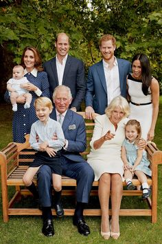 The royal family was all laughs in a candid portrait taken for Prince Charles's birthday, featuring Prince Harry, Prince William, Kate Middleton, and Meghan Markle. Elizabeth Ii, Meghan Markle, Clarence House, Kate And Meghan, Prince Harry And Meghan, Trooping The Colour, Royal Family Portrait, Large Family Portraits, Large Family Photos