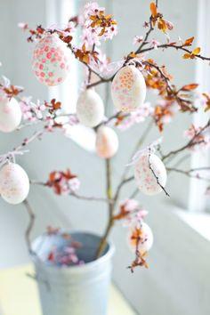 Floral Eggscountryliving