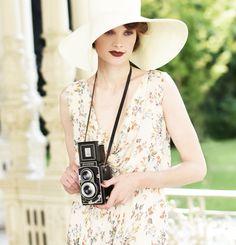 Analog age nostalgia. Hana, Retro Fashion, Eyes, Prague, Instagram Posts, Nostalgia, Cat Eyes, Fashion Vintage
