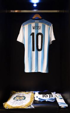 World Cup Argentina 2014 Lionel Messi, Messi Vs, Good Soccer Players, Football Players, Football Kits, Football Soccer, Rugby, Fifa, Argentina National Team