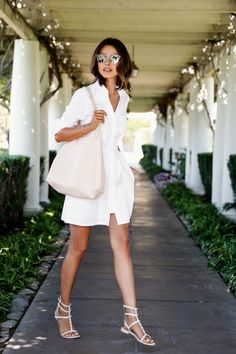 white shirt dress with tote bag and gladiator sandals