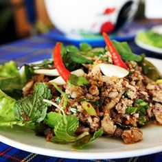 Isan Treat at Nong Prajak - Nong Prajak is a park surrounding a big lake in the middle of Udon Thani city. Around the park locates number of restaurants selling Isan or North-eastern style foods...