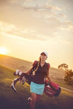 Expert Golf Tips For Beginners Of The Game. Golf is enjoyed by many worldwide, and it is not a sport that is limited to one particular age group. Not many things can beat being out on a golf course o Girls Golf, Senior Girls, Ladies Golf, Women Golf, Golf Photography, Photography Senior Pictures, Yoga Routine, Golf Fotografie, Golf Senior Pictures