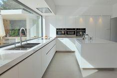 Sinibaldi Projet cuisine-Cassis 1 – … – Famous Last Words Open Plan Kitchen Living Room, Kitchen Room Design, Luxury Kitchen Design, Luxury Kitchens, Home Decor Kitchen, Interior Design Kitchen, Small Kitchens, Interior Modern, Küchen Design