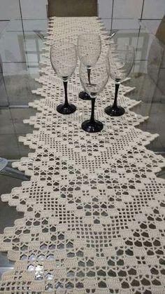 graficos de caminhos de mesa em croche com rosetas diretamente na peça ile ilgili görsel sonucu