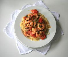Rezept für die Heißluftfritteuse - Spagetthi mit leckeren Gambas und frischen Tomaten. Viele Rezeptideen für die Heissluftfritteuse gibt es nur bei uns.