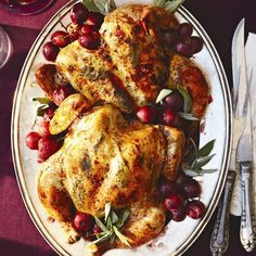 10 Spectacular Roast Recipes That Aren't Turkey From a traditional roast to golden chicken and bacon-wrapped tenderloin, here are 6 flavourful holiday roast recipes for an elegant meal (minus the turkey). Thanksgiving Dinner Menu, Thanksgiving Recipes, Xmas Dinner, Fall Recipes, Roast Recipes, Chicken Recipes, Holiday Roast Recipe, Bacon Wrapped Tenderloin, Harvest Menu