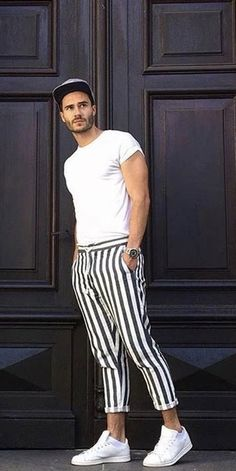 Summer outfit inspiration with a white t-shirt blue white striped pants watch no show socks white sneakers white socks. Stylish Mens Outfits, Modern Outfits, Cool Outfits, Casual Outfits, Mens Plaid Pants, Mein Style, Poses For Men, Herren Outfit, Minimal Fashion