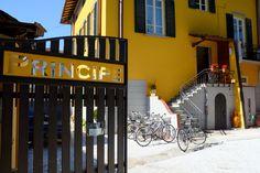 BED AND BREAKFAST PRINCIPE CALAF -Situato in una villa liberty completamente ristrutturata con materiali e rifiniture di pregio, Principe Calaf dista 300 metri dalle mura storiche della città di Lucca…