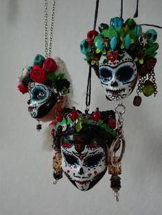 Items similar to Sugar Skull upcycled doll head key pendants on Etsy Halloween Make, Halloween Jewelry, Sugar Skull Decor, Sugar Skulls, Sugar Skull Crafts, Day Of The Dead Art, Halloween Celebration, Creepy Dolls, Doll Parts