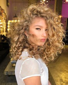 Curly Hair Styles, Cute Curly Hairstyles, Spring Hairstyles, Headband Hairstyles, Natural Hair Styles, African Hairstyles, Prom Hairstyles, Men's Hairstyle, Retro Hairstyles