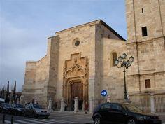 Catedral Magistral de Alcalá de Henares  http://esphoto980x880.mnstatic.com/catedral-magistral-de-alcala_318059.jpg