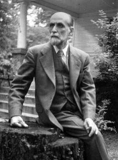Juan Ramón Jiménez Mantecón (Moguer, Huelva, 23 de diciembre de 1881 – San Juan, Puerto Rico, 29 de mayo de 1958)