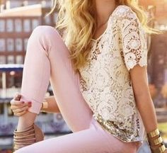 pink jeans, lace top: actually pinning for my daughter! She would look great in this outfit Look Fashion, Spring Fashion, Fashion Beauty, Jeans Fashion, High Fashion, Fashion Scarves, Modern Fashion, Fashion Styles, Fashion News