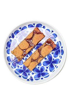 Elke keer als ik iets met jam of spread heb gebakken vind ik het weer een succes en bedenk ik me dat ik het vaker moet doen. Zoals deze koekrepen. Ze zijn makkelijk om te maken en erg lekker Spreads, Om, Bakery, Bakery Business