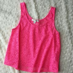 Pink lace crop tank Good condition. Forever 21 Tops Tank Tops