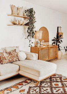 Earthy Living Room, Boho Living Room, Living Room Decor, Bedroom Decor, Cozy Living, Bohemian Living Spaces, Decor Room, Wall Decor, Bohemian Interior Design