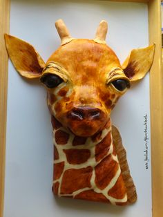 Giraffe Cake - Lemon Cake with White-Chokolate-Fondant, handpainted