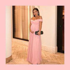 Mariana Sampaio usou um vestido rosé fluído feito sob medida. Stylish Maternity, Maternity Dresses, Maternity Fashion, Gala Dresses, Sexy Dresses, Evening Dresses, Dresses For Pregnant Women, Pregnant Wedding Dress, Dusty Pink Bridesmaid Dresses