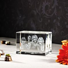3D photo in glass as a gift - 3D laser photo in Mega Viamant - 3D laser photos - 2D and 3D laser photos in glass