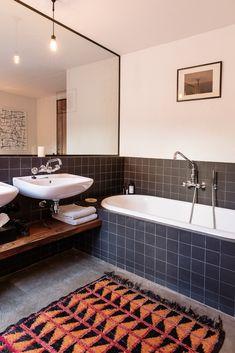 Bed And Breakfast, Turbulence Deco, Classic Bathroom, B & B, Clawfoot Bathtub, Corner Bathtub, New Homes, Station Balnéaire, Interior Design