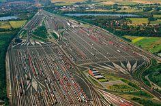 Der Rangierbahnhof in Maschen südlich von Hamburg ist der größte Rangierbahnhof Europas.