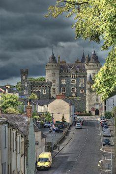 Killyleagh Castle, Killyleagh, County Down, Northern Ireland - Photo Ireland Vacation, Ireland Travel, Galway Ireland, Cork Ireland, Beautiful Castles, Beautiful Places, Places To Travel, Places To See, Castles In Ireland