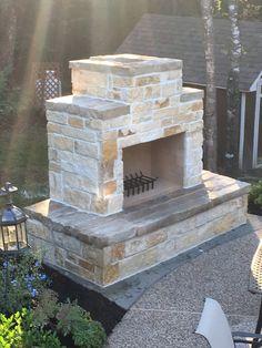Rustic Outdoor Fireplaces, Outdoor Fireplace Plans, Outside Fireplace, Outdoor Fireplace Designs, Backyard Fireplace, Diy Fireplace, Patio Ideas With Fireplace, Outdoor Patio Designs, Farmhouse Fireplace