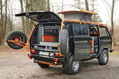 Camper vans are the best way to experience an camping freedom out in the great outdoors. Volkswagen Syncro and Sportsmobile, Sprinter camper van. Volkswagen Transporter, Transporteur Volkswagen, Bus Vw, Transporter T3, Vw T1, Volkswagon Van, Vw Camper, Vw Caravan, Kombi Motorhome