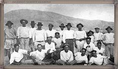 Los Cristianos - pescadores año 1920 #canariasantigua #blancoynegro #fotosdelpasado #fotosdelrecuerdo #recuerdosdelpasado #fotosdecanariasantigua #islascanarias #tenerifesenderos