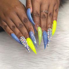 Bling Acrylic Nails, Drip Nails, Acrylic Nail Shapes, Best Acrylic Nails, Hot Nails, Rhinestone Nails, Acrylic Nail Designs, College Nails, Tiffany Nails