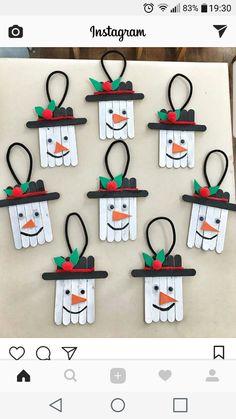 basteln kinder einfach 10 Easy Snowman Crafts for Kids and Adults ⋆ بالعربي نتعلم Preschool Christmas Crafts, Christmas Crafts For Kids To Make, Christmas Ornament Crafts, Snowman Crafts, Xmas Crafts, Craft Stick Crafts, Christmas Diy, Snowman Ornaments, Popsicle Stick Christmas Crafts