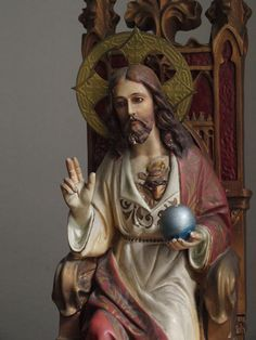 Etsy のAntique Sacred Heart of Jesus statue sitting in chair Olot Catalonia Spain Religious Art /779(ショップ名:GliciniaANTIC)