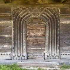 History Of Romania, Transylvania Romania, Door Detail, Unique Buildings, Stone Carving, Barcelona Cathedral, Sculpture, Doors, Traditional