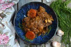 Policzki wołowe, długo pieczone, przepyszny pomysł na obiad, domowe przyjęcie, na specjalne uroczystości. delikatne mięso w pysznym sosie.