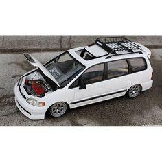 Honda Van, Toyota Previa, Miniature Cars, Plastic Model Cars, Model Cars Kits, Honda Odyssey, Rc Cars, Scale Models, Hot Wheels