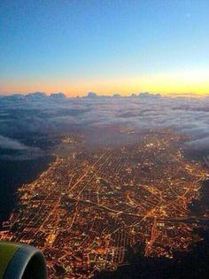 Night flight - Barcelona, Spain pic.twitter.com/vApEwJ7gk4