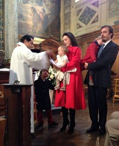 Noblesse & Royautés:  Princess Isabella of Savoy-Aosta was baptized in Paris, mid- December 2013-l-r Prince Umberto, Princess Isabella in the arms of her mother Princess Olga of Greece, The Duchess of Apulia, and Prince Amedeo in the arms of his father Prince Aimone of Savoy-Aosta, The Duke of Apulia (Italy). House Of Savoy, Grand Duchess Olga, Royal Crowns, Casa Real, Danish Royals, English Royalty, Noblesse, Royal House, Prince And Princess