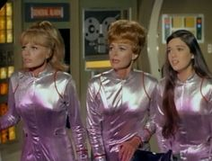 "Lost in Space Season 3 Episode 1 ""The Condemned of Space"" Space Tv Series, Space Tv Shows, Sci Fi Tv Series, Sci Fi Tv Shows, Tv Series To Watch, Great Tv Shows, Old Tv Shows, Classic Actresses, Actors & Actresses"