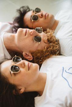 El verano ya llegó, y nuestra nueva colección también. Gafas de sol y gafas graduadas hechas a mano desde 98€ todo incluído. Summer Family Photos, Group Poses, Best Friend Photos, Coffee Photography, Zara Kids, Music Photo, Foto Pose, Photoshoot Inspiration, Couple Shoot