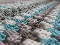 Color Combination ~ {Jégkristály in progress} Cute Crafts, Yarn Crafts, Colour Pallette, Palette, Yarn Projects, Merino Wool Blanket, Love Art, Color Combinations, Color Mixing