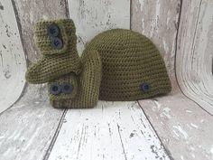 Bekijk dit items in mijn Etsy shop https://www.etsy.com/nl/listing/463120376/crochet-baby-booties-baby-uggs-baby-hat