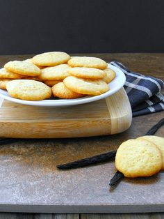 Homemade Vanilla Wafers make your own!!