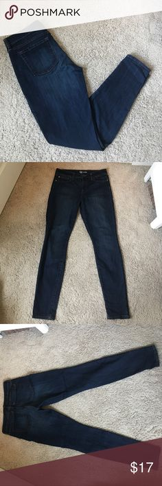 NWOT! GAP JEANS--Legging Style Incredibly comfortable jeans, the denim has a great amount of stretch! Beautiful wash. NWOT, in perfect condition! Size 29 regular! (Size 8) GAP Jeans Skinny