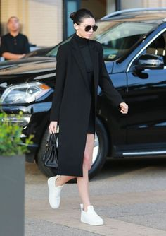 """models-fashion111: """"Kendall Jenner out shopping in Beverly Hills, 10th December 2015. """""""