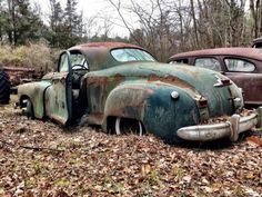 '48 Dodge business coupe & '50 Nash rotting away