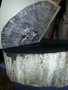 How to make a print of a tree stump
