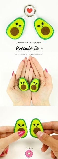 Spille avocado, regalo per coppia, set 2 spille innamorati, fatte a mano, anniversario, avocado feltro, regalo unico, ti amo, pannolenci